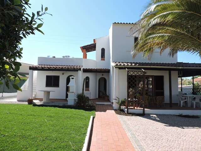 Comfortable Villa Estrela do Mar in Algarve