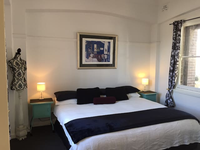 King Bed Spacious bedroom