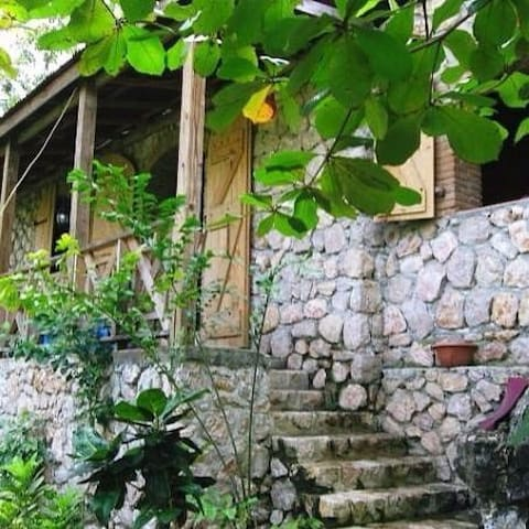 Kayanol village Labadee. (PHONE NUMBER HIDDEN) - Labadie - Bed & Breakfast