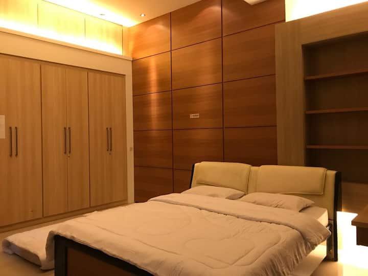 U-Nice Residence~EntirePlace 15beds~Central Jogja