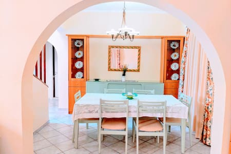 Village House 160 sqm, 3 BR, with Large Courtyard