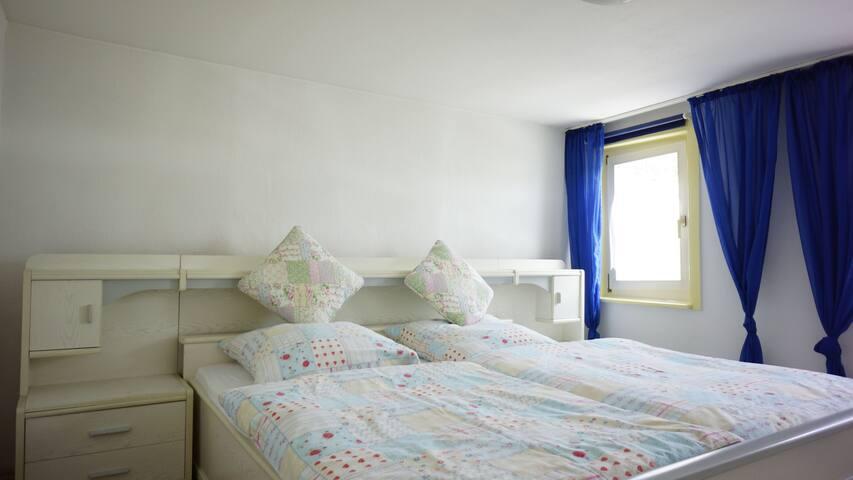 Ferienwohnung Apfelbaum, (Albstadt-Ebingen), Ferienwohnung Maria, 60qm mit 2 Schlafzimmer für max. 3 Personen