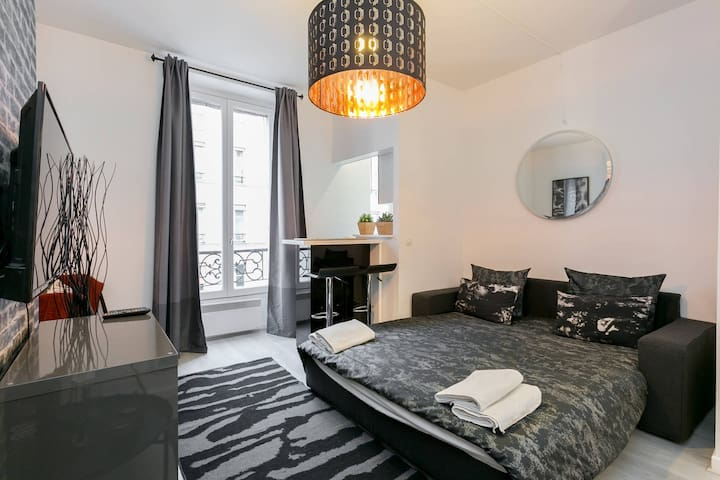 BEAUTIFUL & COSY  STUDIO 3MIN FROM EIFFEL TOWER
