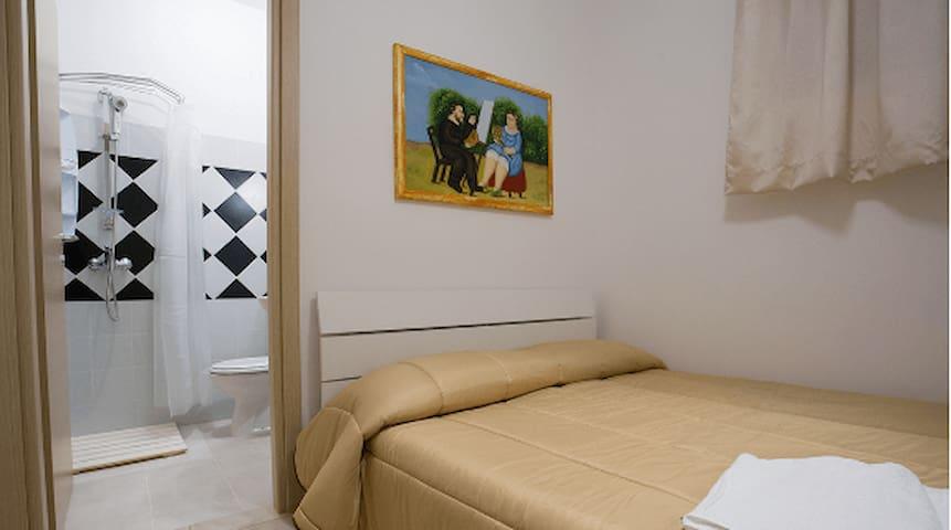 camera matrimoniale uso singola