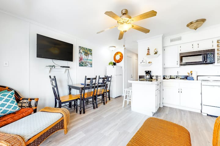 Charming Condo with Shared Pool, WiFi, Central AC, and Furnished Balcony!