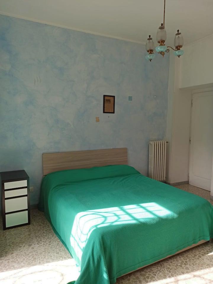 Camera con bagno privato a Settecamini, Roma.