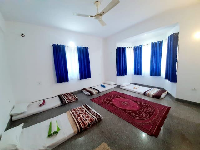 Firangi stay for FEMALE bed with Breakfast ,anjuna