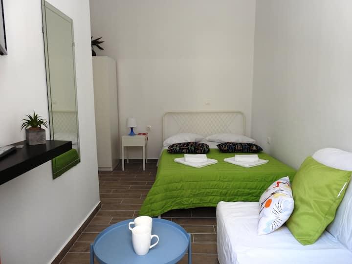 Stylish one-bedroom flat next to Elli beach