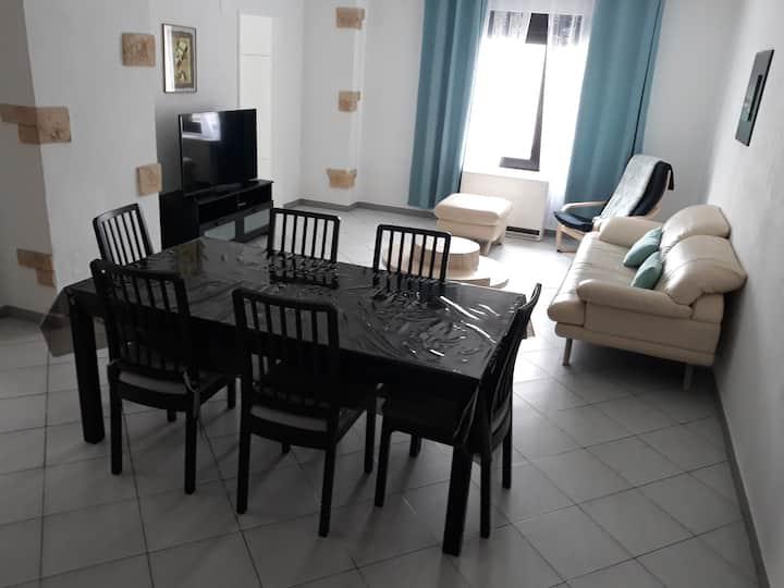appartement de 80m2 avec 2 chambres et parking