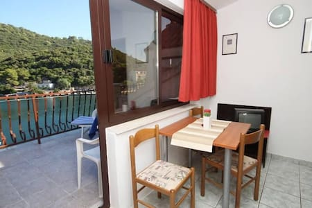 One bedroom apartment with terrace and sea view Pasadur, Lastovo (A-996-d) - Apartment