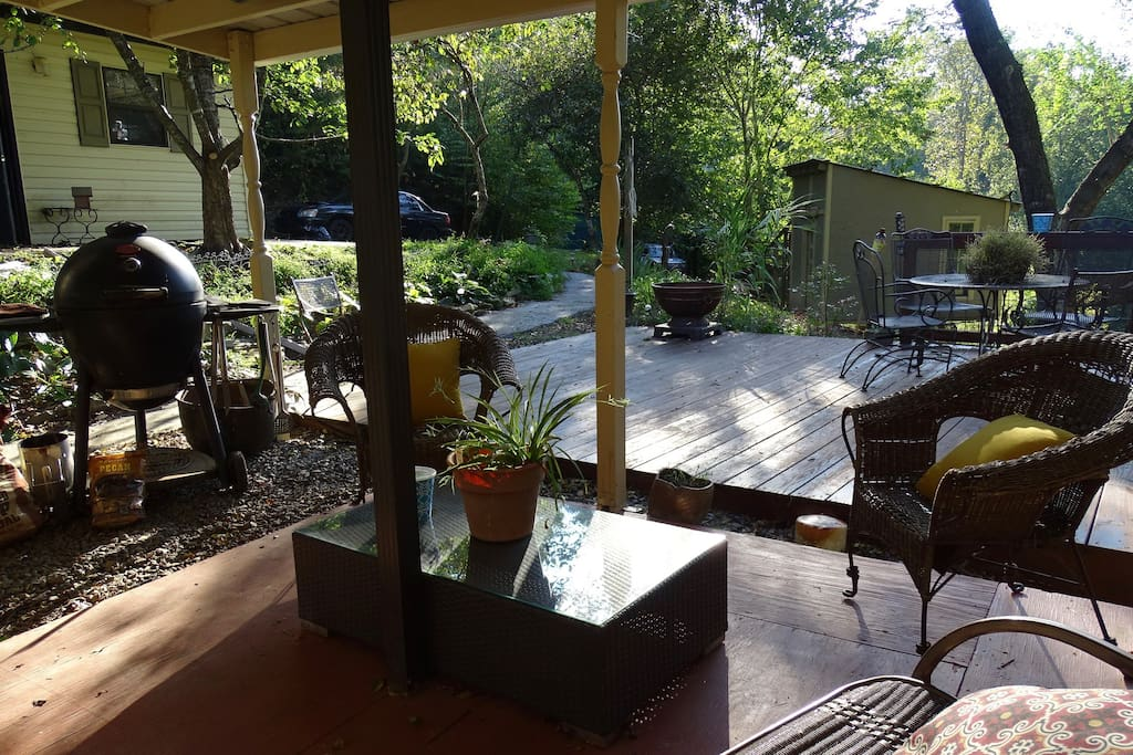 Porch/upper deck..