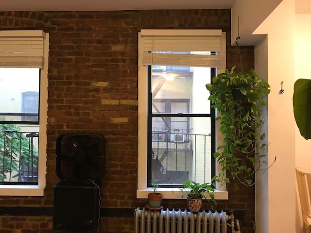 Cozy and Renovated Private Studio