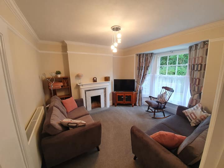 Private 3 bed period home in Topsham
