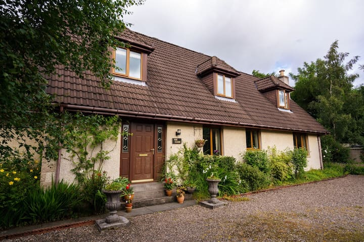 Rothes.Lovely double bedroom suite. - Rothes