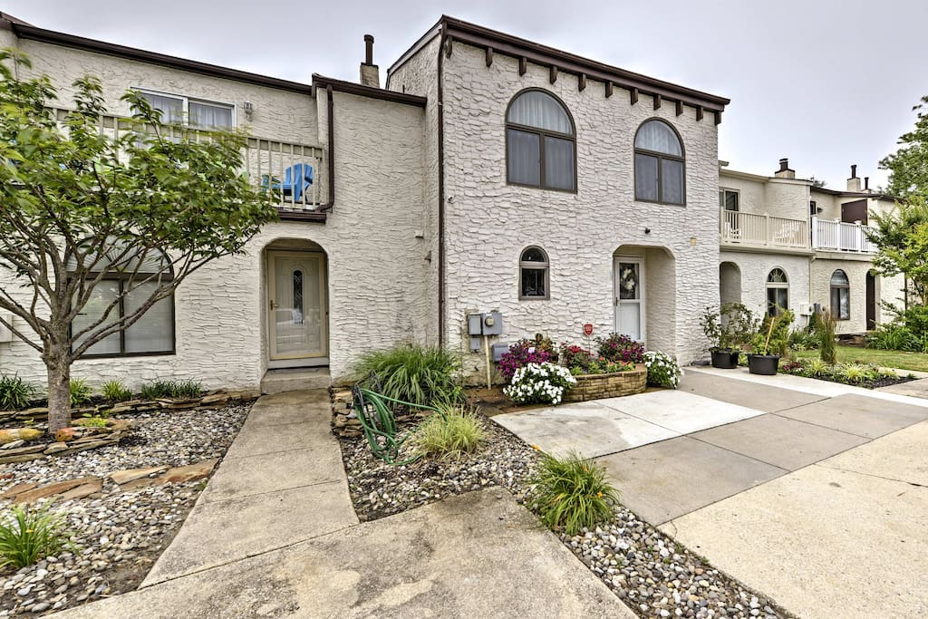 A relaxing retreat awaits you at this Brigantine vacation rental townhome!