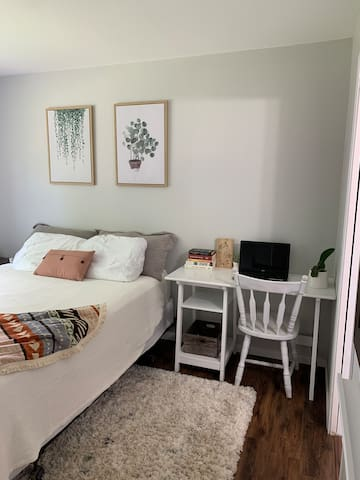 A Room in the City - One Bedroom w/ En Suite