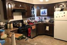 Kitchen side 4