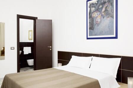 a due passi da San Pietro pulito e  - Bed & Breakfast