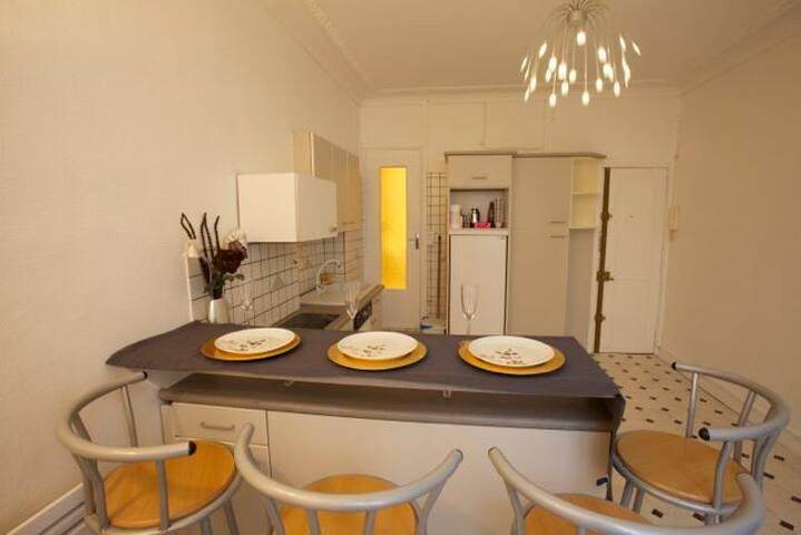 Appartement calme - 3 stations des Champs-Elysées