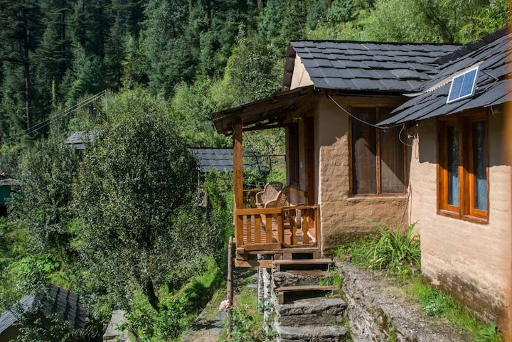 Swiss Cottage In Jibhi