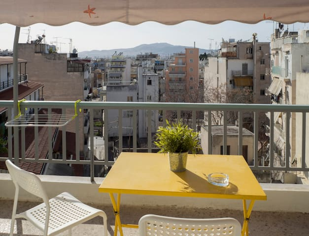 Cosy apartment with balcony in Attiki square!