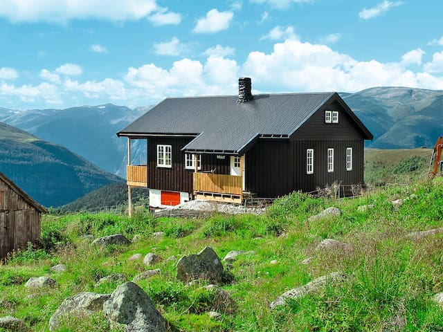 Traditional holiday home in Aurland for 6 persons