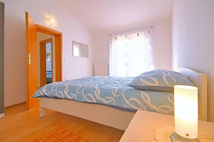 House Mladen 1 with swimming pool - Nova Vas - Ev