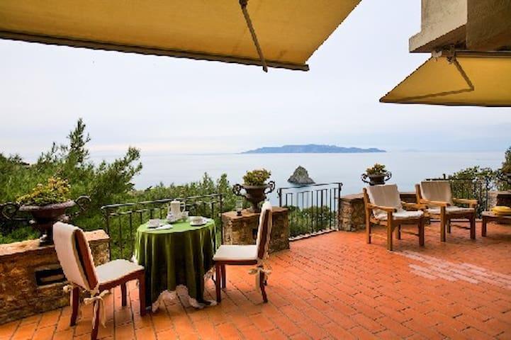 CALA MORESCA luxury Villa with a spectacular view.