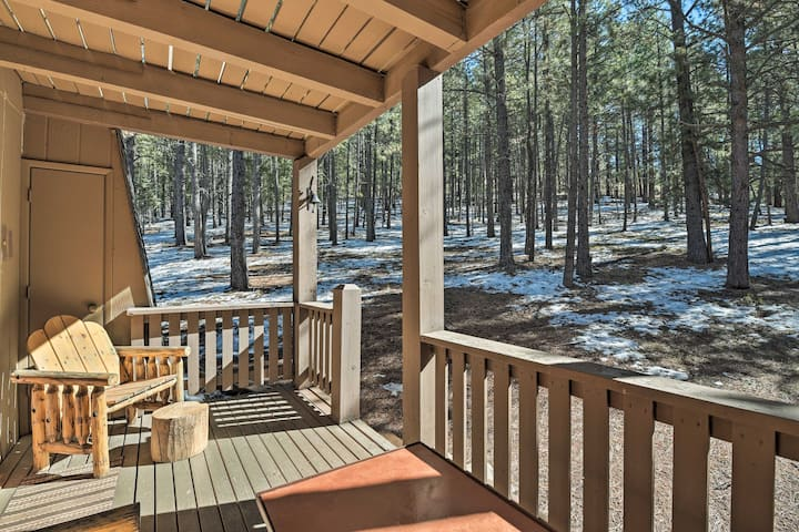 Rustic Condo w/ Patio: Walk to Angel Fire Resort!