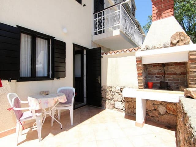 Apartments Nadia - Studio Apartment With Terrace and Sea View