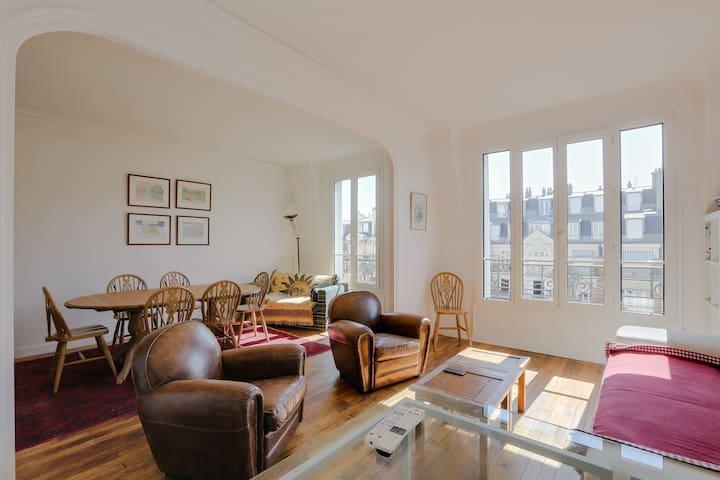 Bright apartment near the Parc des Princes