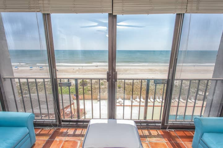 The Islander 5C Breathtaking Oceanfront Views with Incredible Amenities!