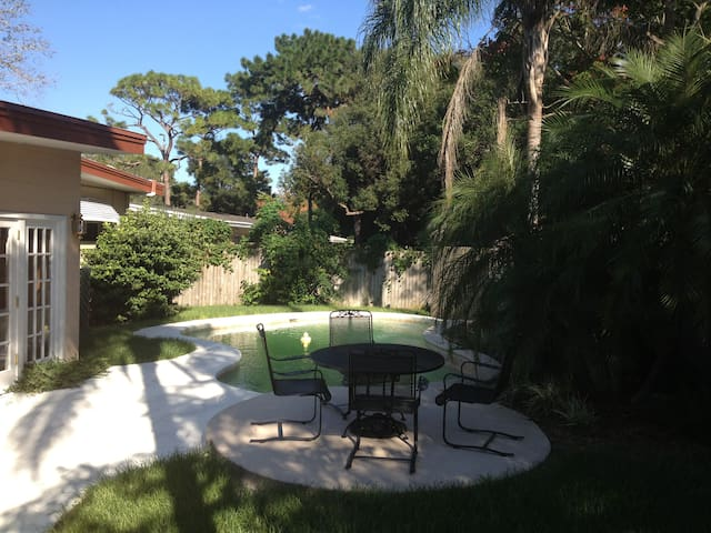 NEW PRICING! Fabulous Orlando Area Bungalow w/Pool