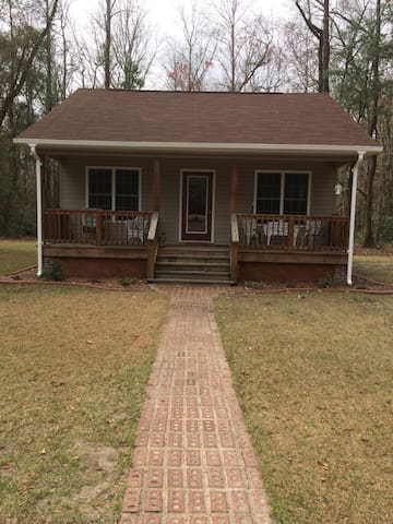 Country Cottage close to New Bern and Neuse River. - New Bern - Dům pro hosty