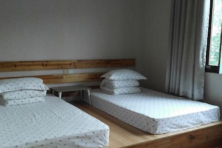 Japanese tatami standard double room-2(日式榻榻米标间 -2) - Huangshan - 宾馆