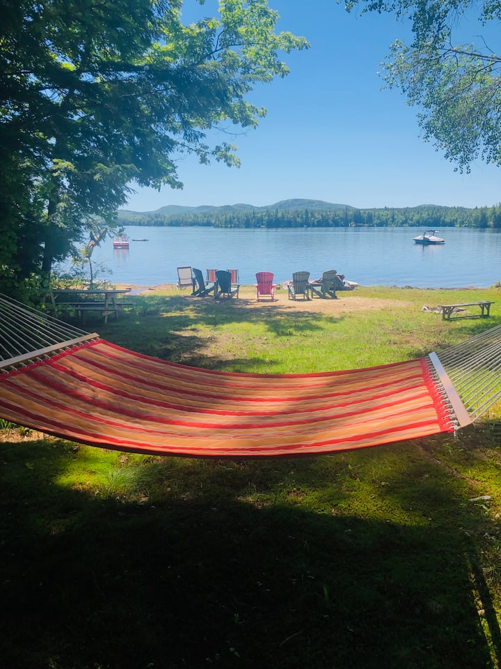 Rock Lobster - lakefront cottage sleeps up to 10.