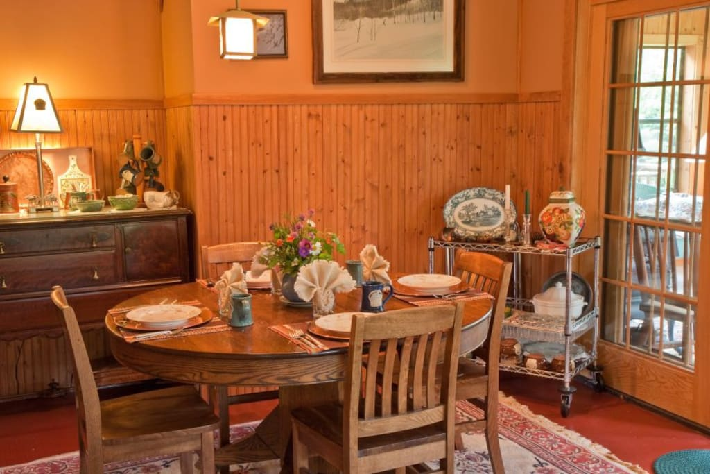 Comfortable sunny private room in secluded b b bed and for Best private dining rooms minneapolis