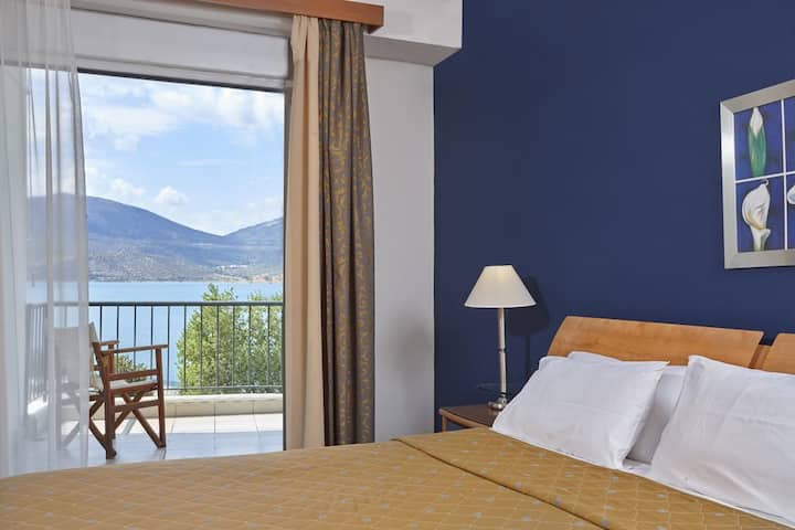 Superior room (sea view) | Lucy Hotel