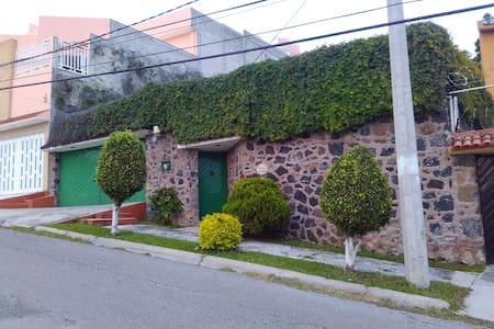 RECÁMARA DE DESCANSO, alberca, cerca de Cuernavaca - Tres de Mayo