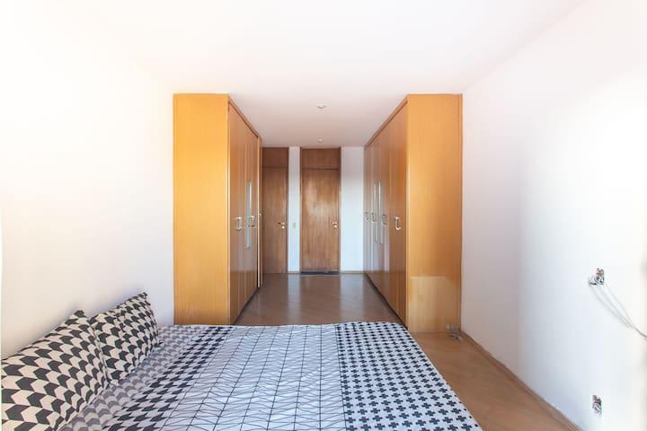 Palacete 81 quarto 01