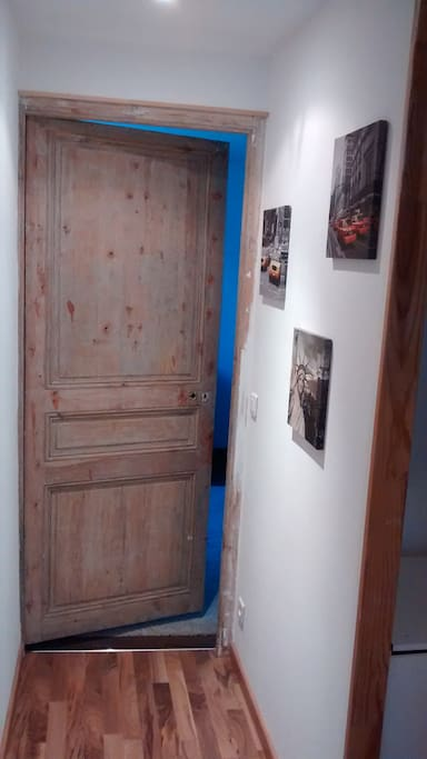 Couloir / entrée de la chambre