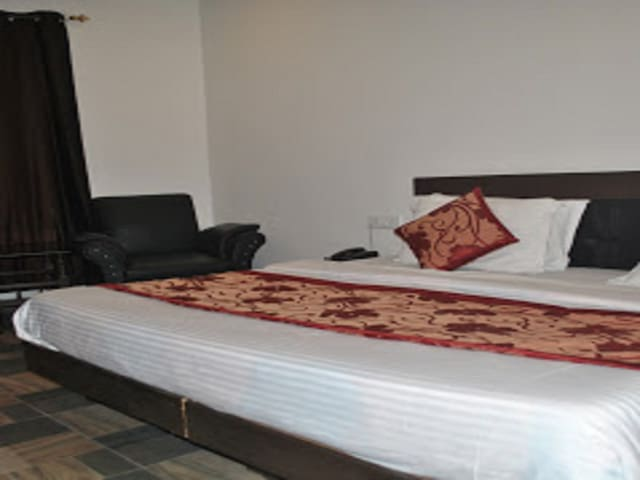 Double Deluxe Room with Banganga Pickup and Drop Hotel Maha Luxmi Palace
