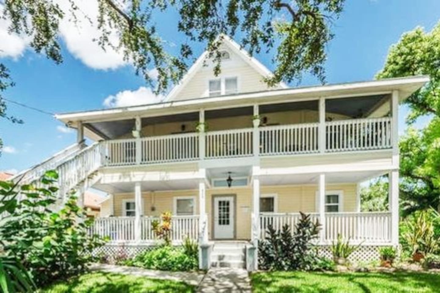 The Yellow House is a beautiful historic home in the Heart of Downtown Dunedin.