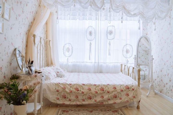 遵义民宿 |河走映画| 桃溪河畔三层楼粉色别墅 摄影师的家| 洛丽塔房