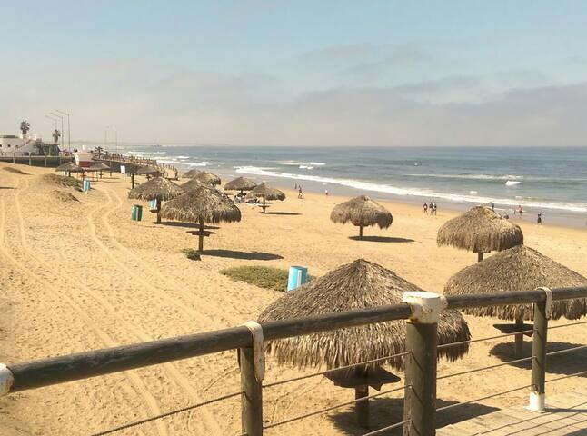 Playa Hermosa - Excelente para pasar el dia, y disfrutar del mar y el sol.  Aproximadamente a 10 minutos de casa.
