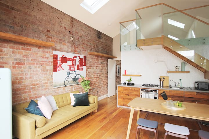 Charming and Warm House in Artsy Fitzroy