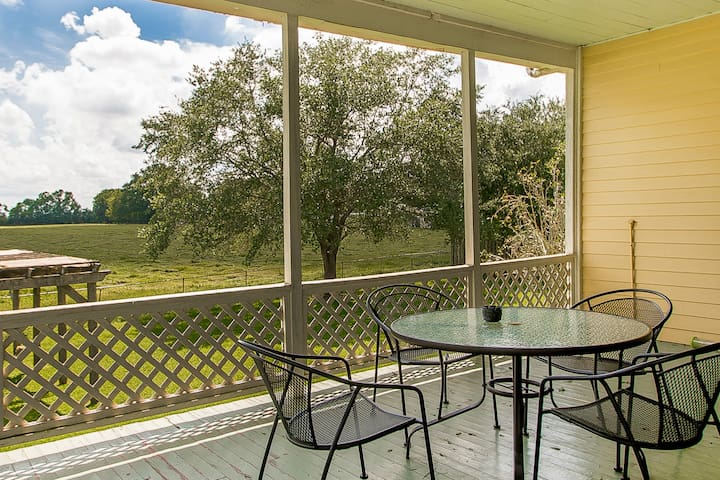 Lovely 2 BR 2 BA Apartment in Ascension Parish