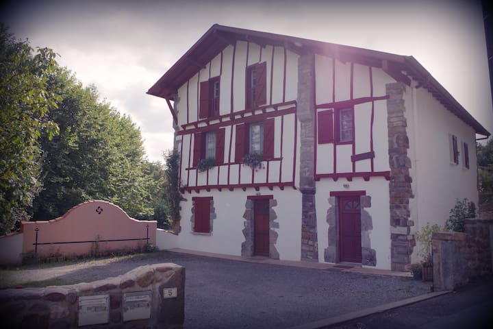 Appartement T3 dans maison basque