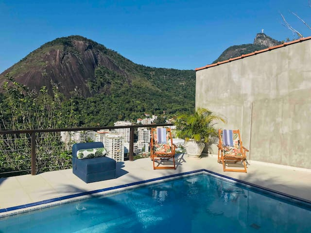 Most charming home with spectacular view of Rio