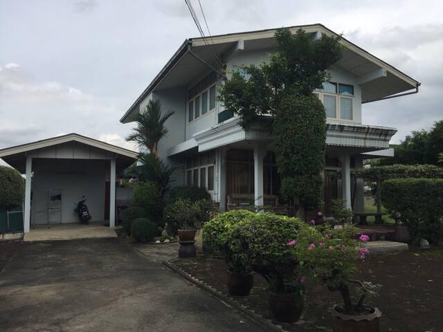 บ้านเดี่ยว